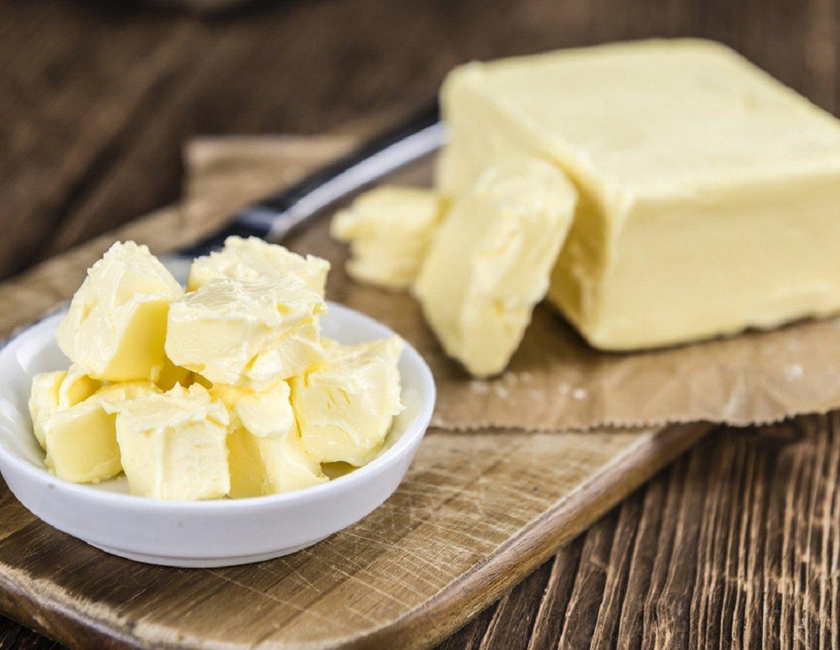 В Украине увеличилась доля фальсифицированного сливочного масла: как отличить подделку