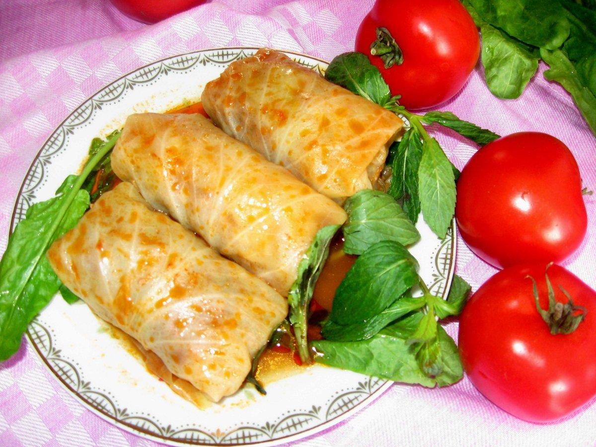 Голубцы из молодой капусты: рецепт вкусного и легкого блюда к обеду или ужину