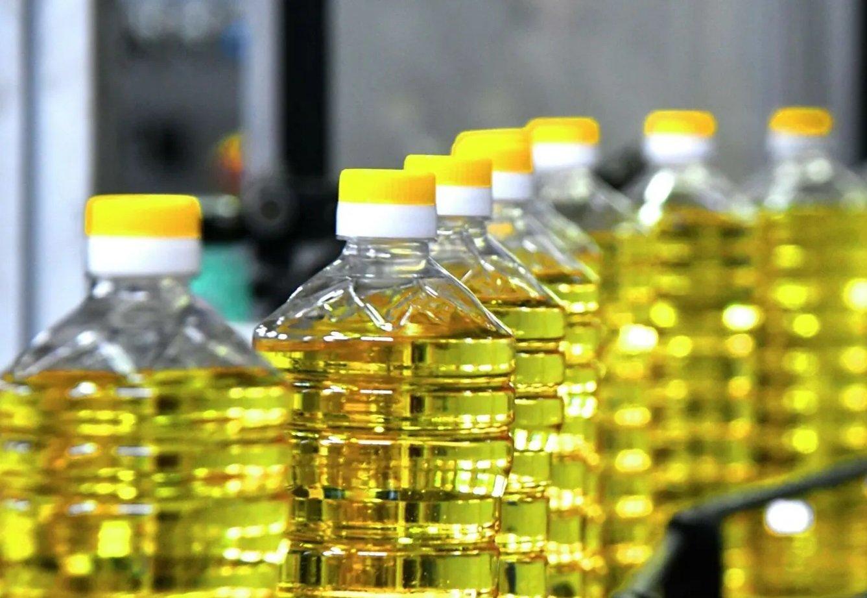 Українська соняшникова олія в Європі коштує в два рази дешевше, ніж в Україні