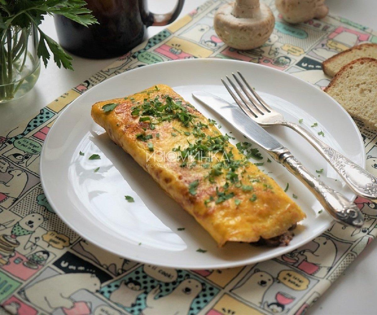 Омлет з сирною начинкою: рецепт найніжнішої та смачної страви для всієї родини