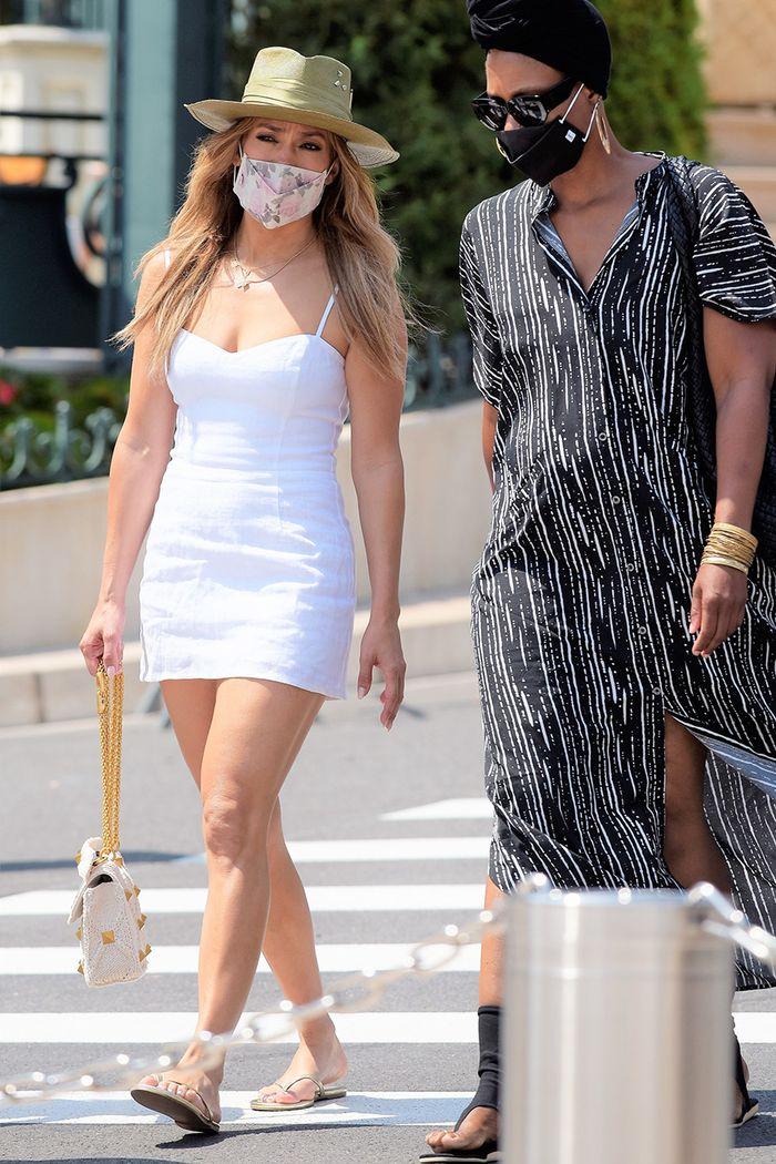 Дженнифер Лопес носит милое именное украшение в знак любви к Бену Аффлеку