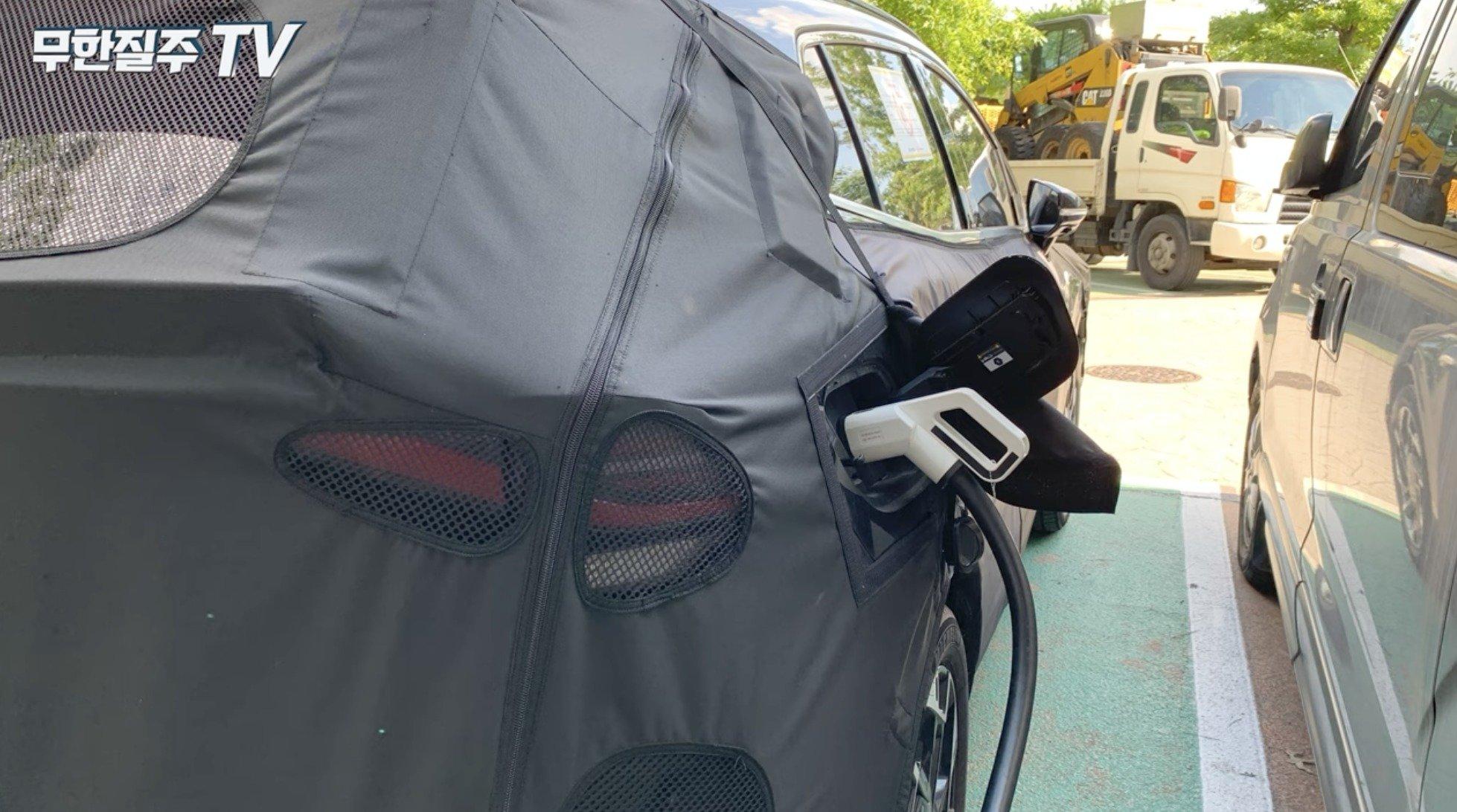 Шпионы впервые показали новый гибридный Kia Sportage