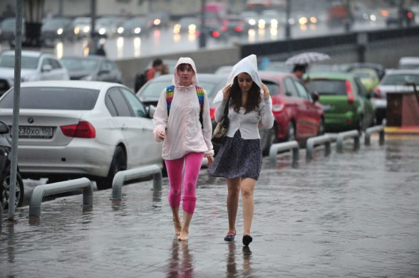 Ливни и грозы продолжат накрывать Украину на этой неделе: синоптики прогнозируют новый циклон - today.ua