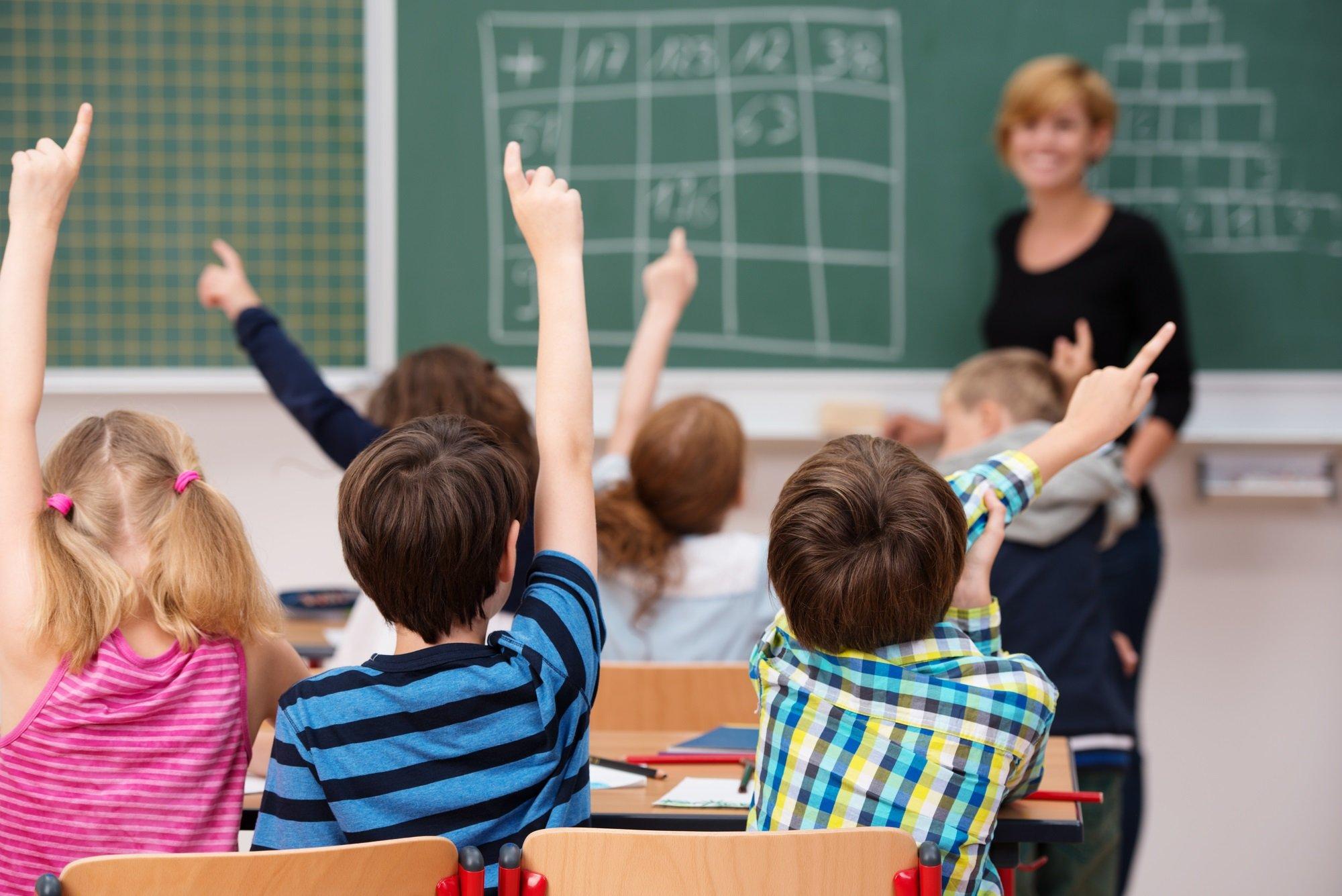Українським школярам з 1 вересня видадуть електронні свідоцтва: що треба знати батькам