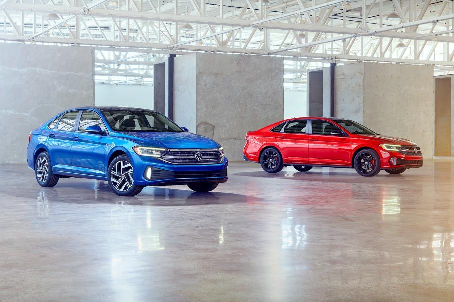 VW представив оновлену Jetta