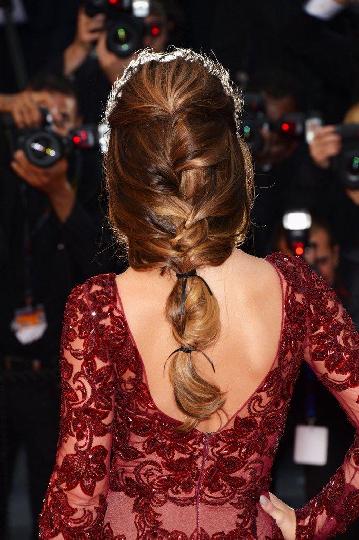 Французская коса - самая женственная и стильная укладка на жару
