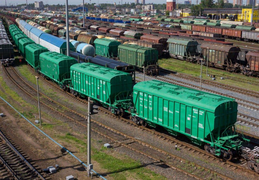 Укрзалізниця може зупинити потяги вже через 9 днів: названа причина