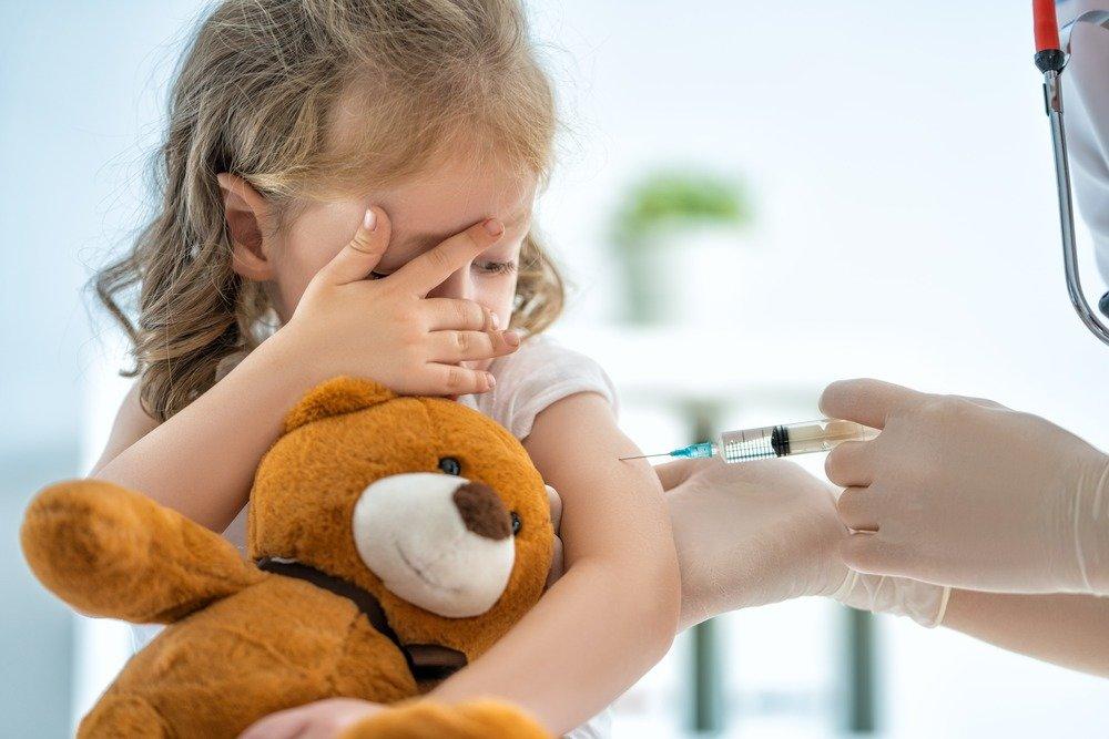 В Україні щеплення від коронавірусу почали робити дітям