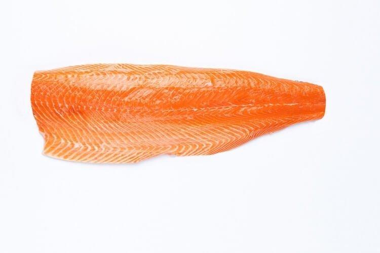 Как выбрать филе лосося?