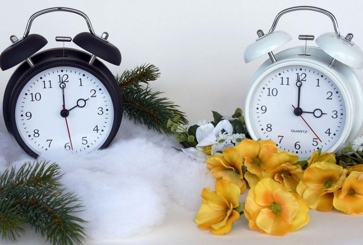 Перехід на зимовий час в Україні: коли і в яку сторону потрібно перевести стрілки годинника