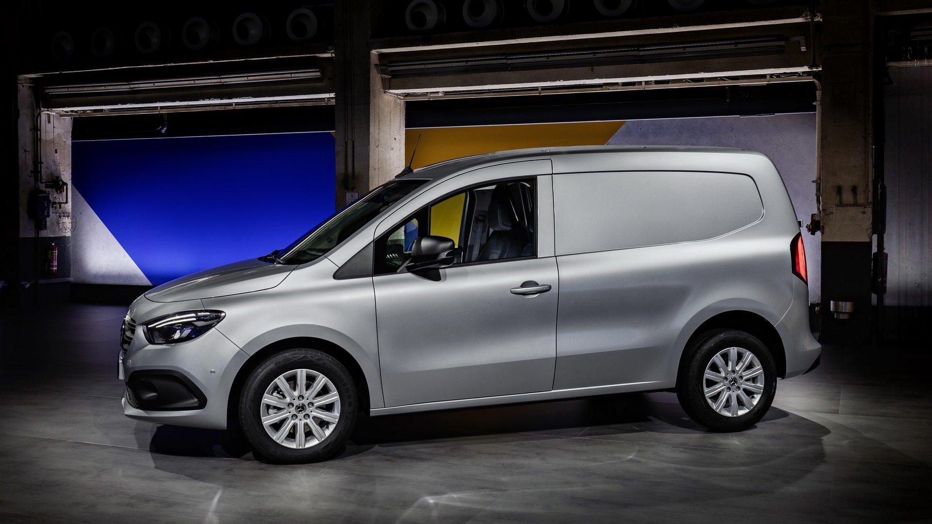 На базі Renault: почалися продажі нової моделі Mercedes