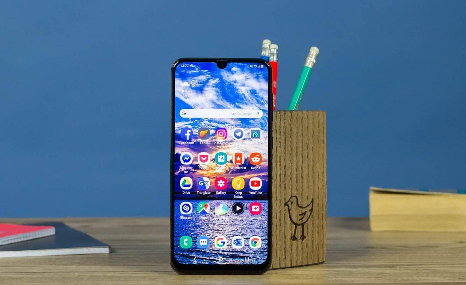 Смартфони Samsung в Україні почали масово ламатися: в яких моделях виявлені дефекти
