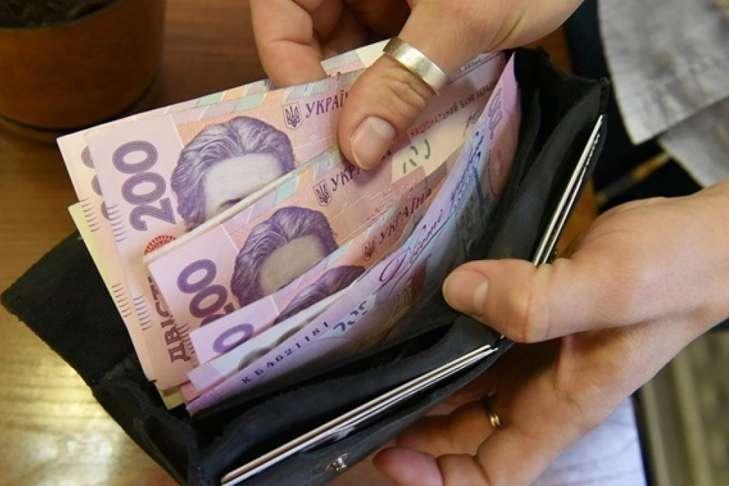 В Україні стали частіше зустрічатися фальшиві гривні: як розпізнати підроблену купюру