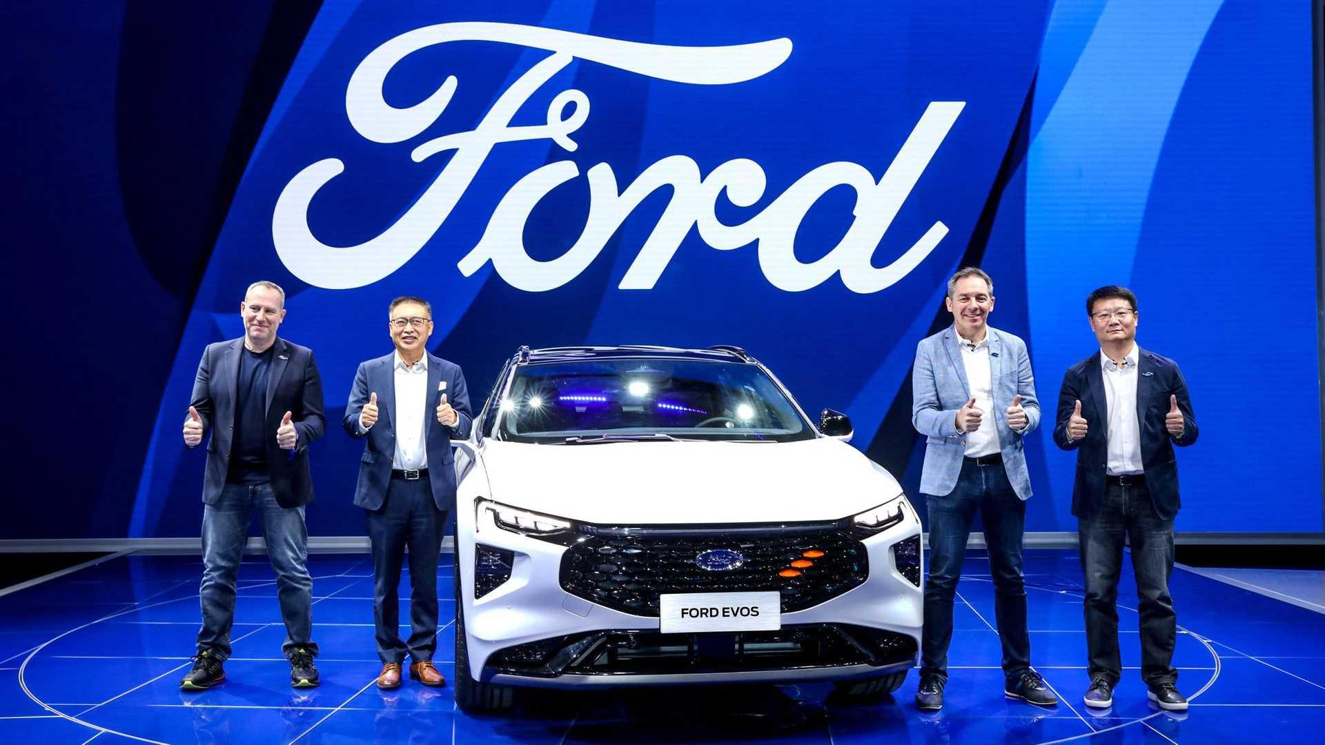 Ford начал принимать заказы на свой новый кроссовер