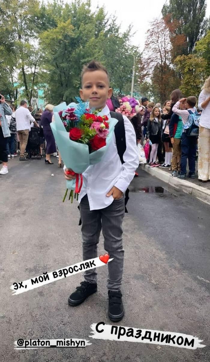 Полякова, Потап, Мішина і інші українські зірки показали фото своїх дітей-школярів