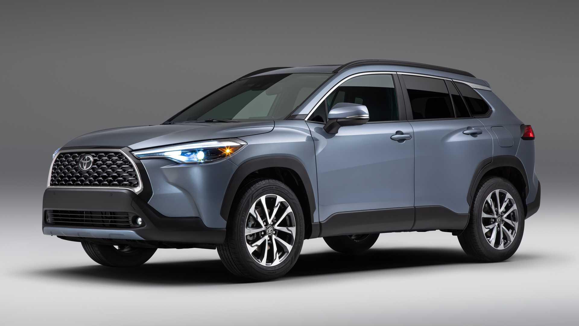 В Украине начались продажи Toyota Yaris Cross