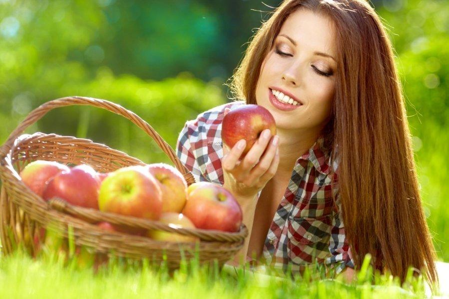 Посмішка на всі 32: які продукти потрібно і не варто їсти, щоби зберегти здорові та міцні зуби