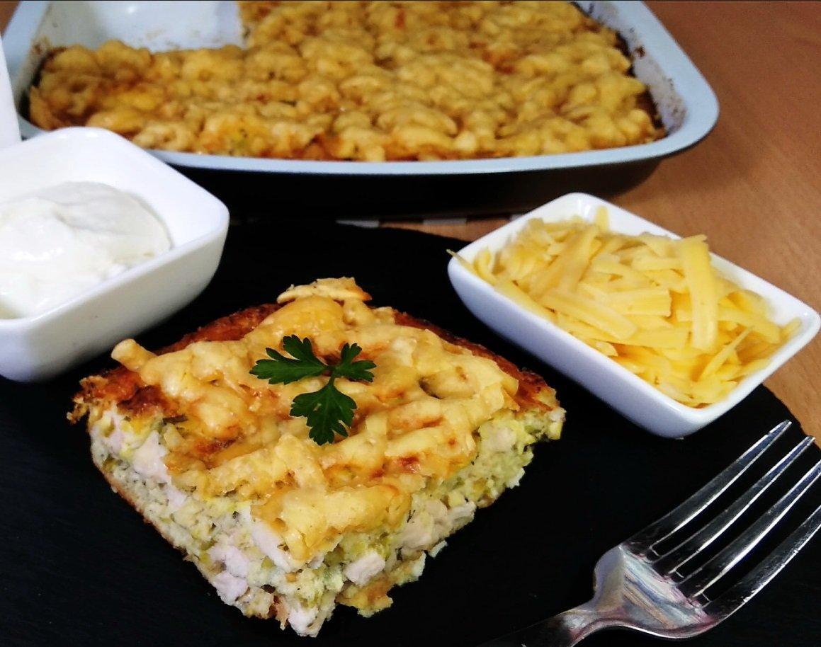Апетитна запіканка з куркою, кабачками і сиром: рецепт ситної страви для всієї родини