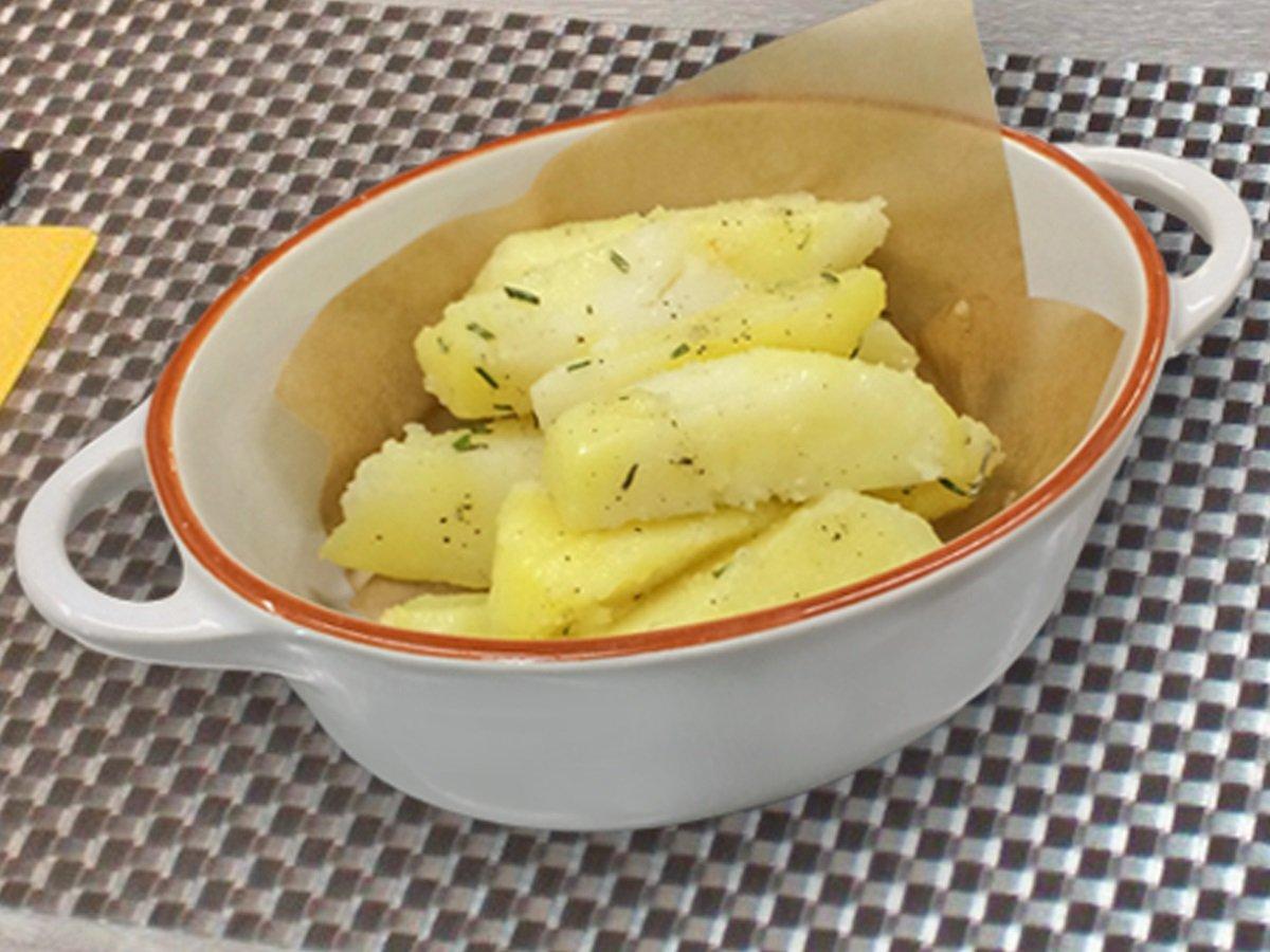 Коли слід солити відварну картоплю, щоб страва вийшла смачною і корисною