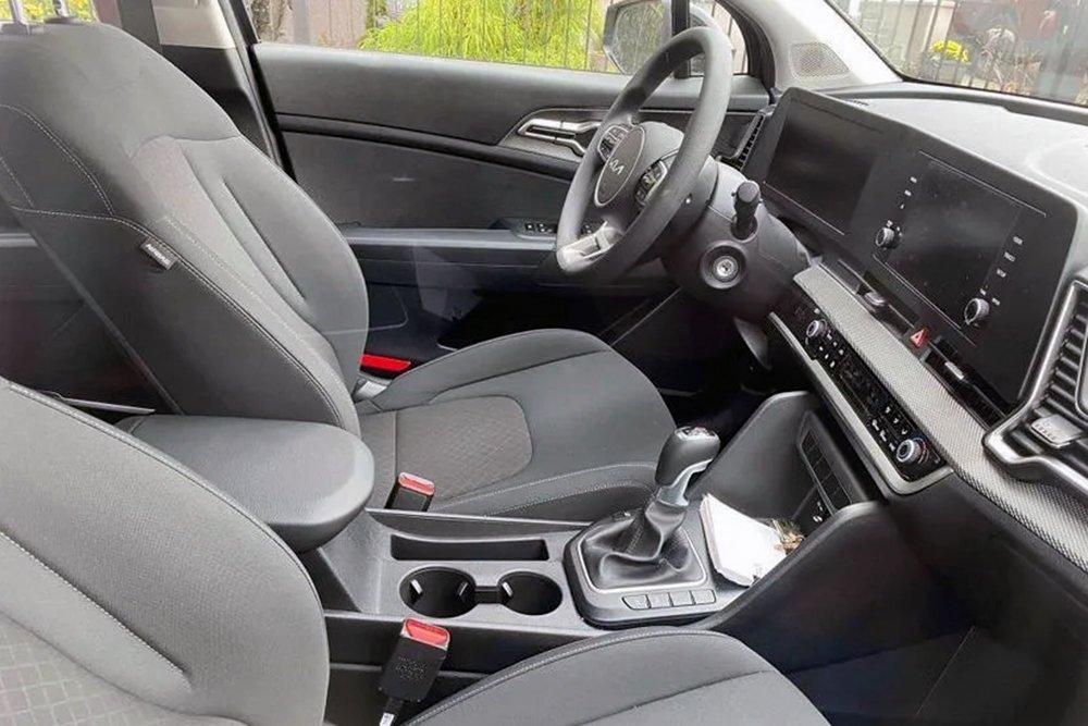 З'явилися перші фото найбільш дешевого нового Kia Sportage