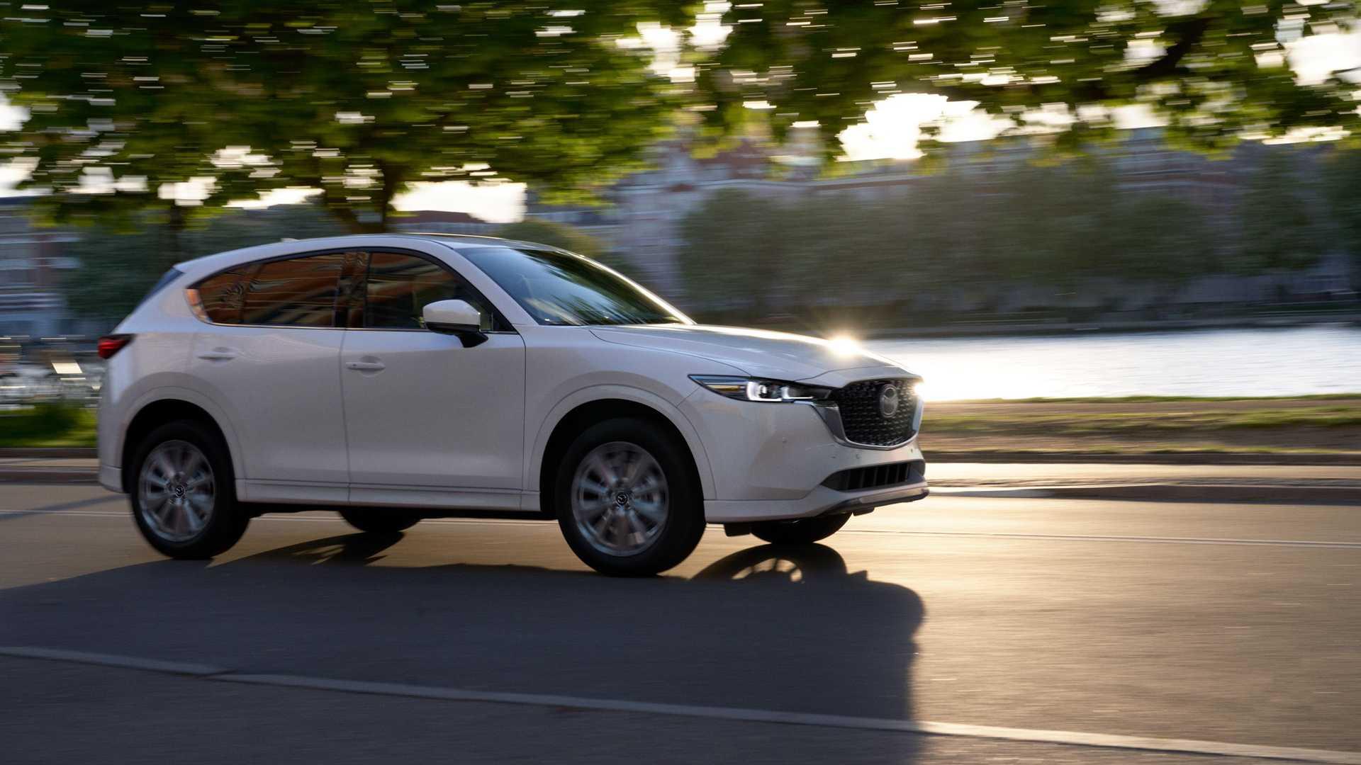 Mazda випустить 5 нових кросоверів