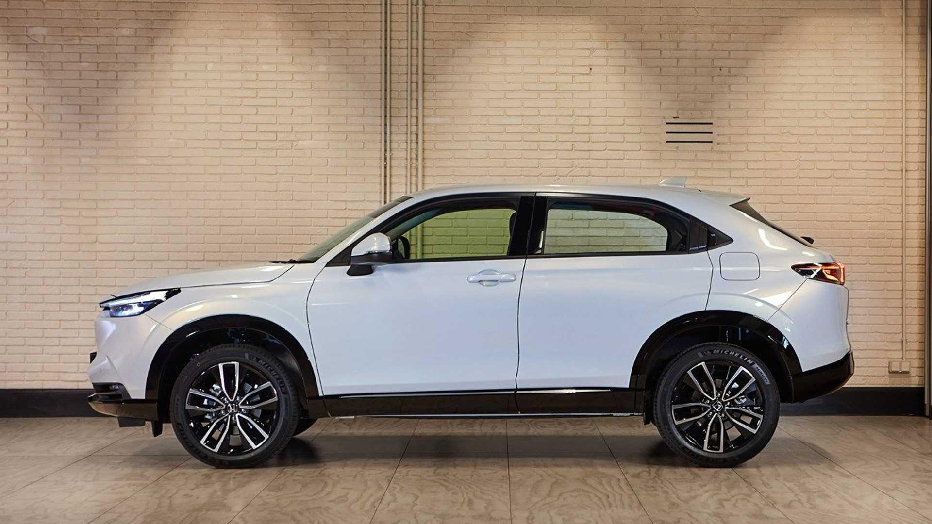 Скоро в Україні: в Європі почалися продажі нового Honda HR-V